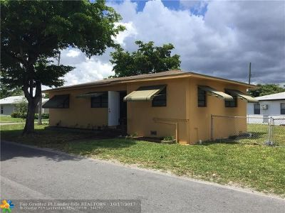 Hallandale Single Family Home For Sale: 600 NW 5th Ct