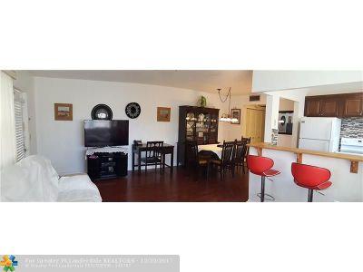 Deerfield Beach Condo/Townhouse For Sale: 364 Oakridge T #364