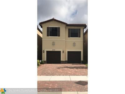 Tamarac Single Family Home For Sale: 4727 NW 59th St