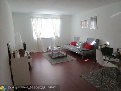 Fort Lauderdale Condo/Townhouse For Sale: 1821 NE 62nd St #305