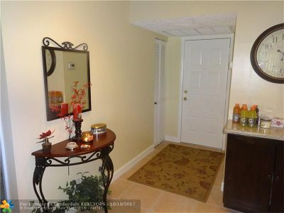 Coconut Creek Condo/Townhouse For Sale: 3827 Carambola Cir #3827
