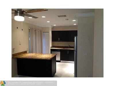 Boca Raton Condo/Townhouse For Sale: 6665 Via Regina #6665