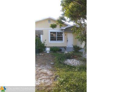 Boynton Beach Single Family Home For Sale: 2219 NE 1st Lane