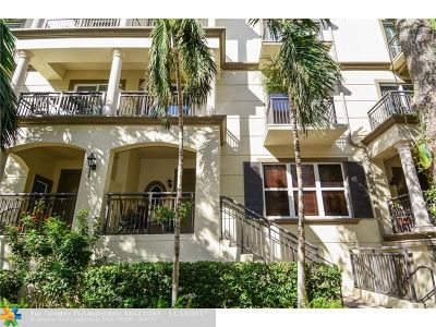 Wilton Manors Condo/Townhouse For Sale: 2617 NE 14th Ave #107