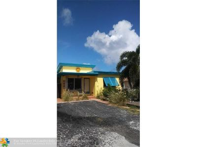 Lantana Multi Family Home For Sale: 325 Wickline Blvd