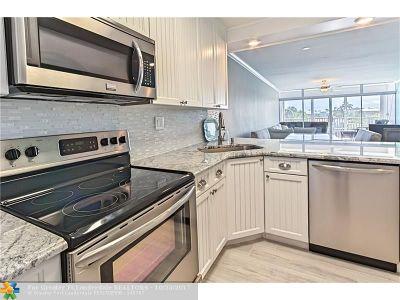 Boca Raton Condo/Townhouse For Sale: 698 NE Spanish River Boulevard #0320