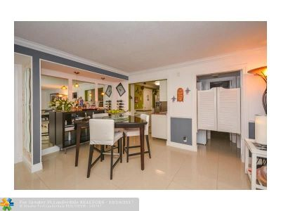 Deerfield Beach Condo/Townhouse For Sale: 1428 SE 4th Ave #253-G
