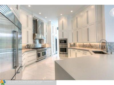 Plantation Single Family Home For Sale: 10400 Kestrel St