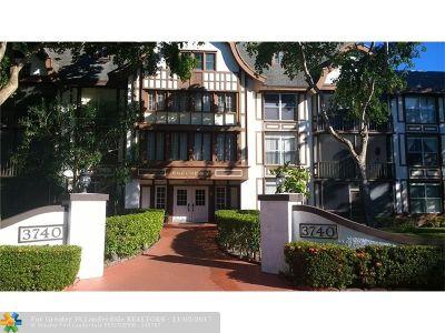 Lauderhill Condo/Townhouse For Sale: 3740 Inverrary Dr #1L-E