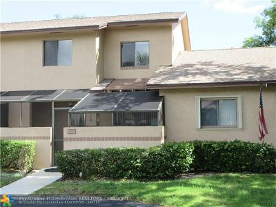 Coconut Creek Condo/Townhouse For Sale: 2202 NW 37th Ave #2202