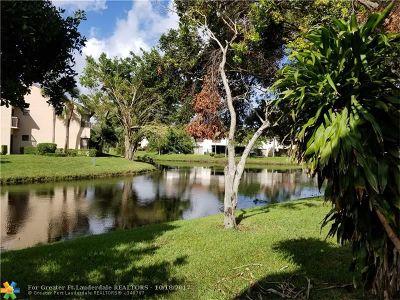 Coconut Creek Condo/Townhouse For Sale: 4515 S Carambola Cir S #27288