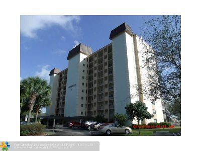 Coral Springs Condo/Townhouse For Sale: 3575 Brokenwoods Dr #103