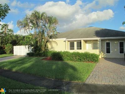 Cooper City Single Family Home For Sale: 4956 SW 94th Ter