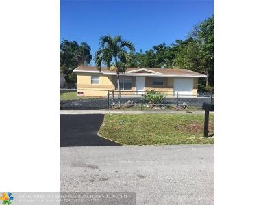 Lauderhill Single Family Home For Sale: 881 NW 33rd Ave