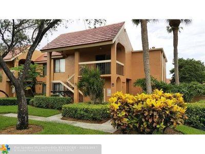 Boynton Beach Condo/Townhouse Backup Contract-Call LA: 11205 Green Lake Dr #104