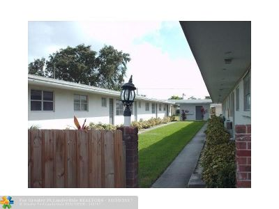 Broward County Condo/Townhouse For Sale: 2738 Fillmore St #2W