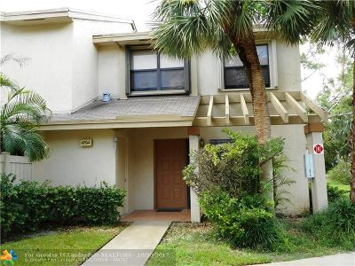 Coconut Creek Condo/Townhouse For Sale: 4794 NW 22nd St #4108