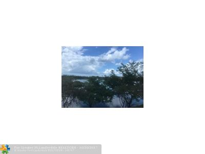 Pembroke Pines Condo/Townhouse For Sale: 1400 SW 137th Ave #309F