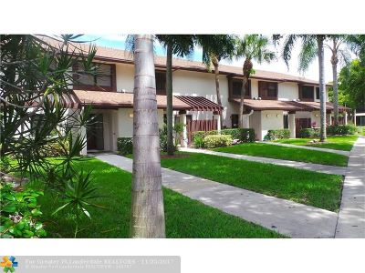 Coconut Creek Condo/Townhouse For Sale: 4320 Carambola Cir #4320