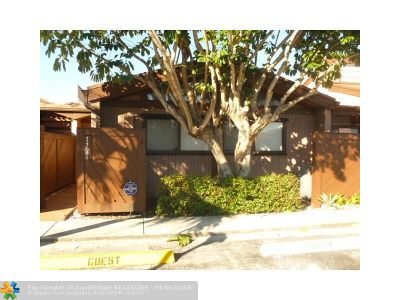 Plantation Condo/Townhouse For Sale: 1721 NW 72nd Ave #68
