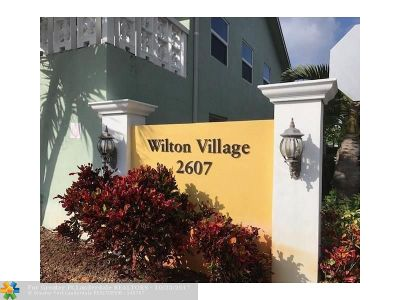 Wilton Manors Condo/Townhouse For Sale: 2607 NE 8th Ave #46
