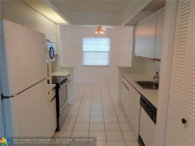Coconut Creek Condo/Townhouse For Sale: 1703 Andros Isle #G3