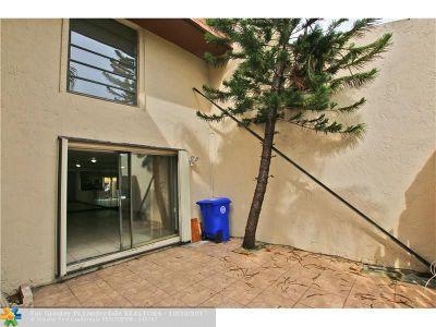 Pembroke Pines Condo/Townhouse Backup Contract-Call LA: 9240 NW 16th St #9240