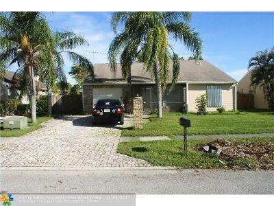 Lake Worth Single Family Home For Sale: 7879 Bishopwood Rd
