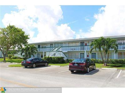 Deerfield Beach Condo/Townhouse For Sale: 181 Oakridge L #181