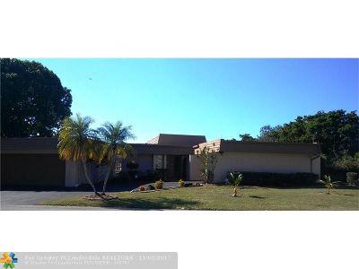 Tamarac Single Family Home For Sale: 6206 Orchard Tree Ln
