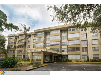 Plantation Condo/Townhouse For Sale: 6700 Cypress Rd #511