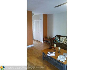 Dania Condo/Townhouse For Sale: 500 NE 2nd #327