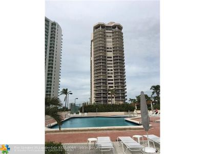 Aventura Condo/Townhouse For Sale: 20185 E Country Club Dr. #1704