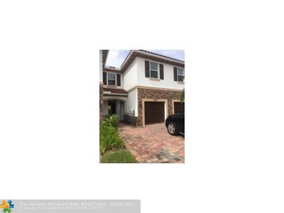 West Palm Beach Condo/Townhouse For Sale: 4333 Brewster Ln #4333