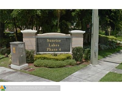 Sunrise Condo/Townhouse For Sale: 10207 Sunrise Lakes Blvd #205