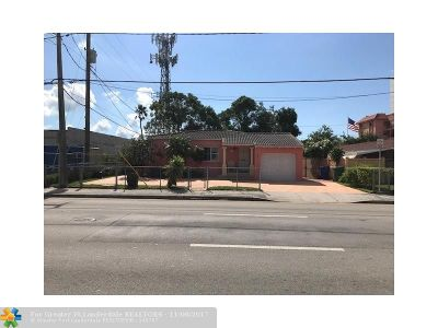 Miami Single Family Home For Sale: 834 SW 7th St