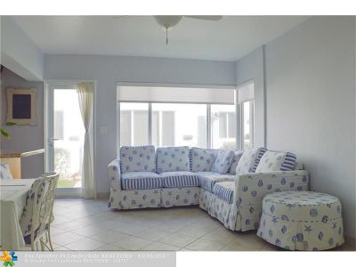 Hillsboro Beach Condo/Townhouse For Sale: 1187 Hillsboro Mile #9E