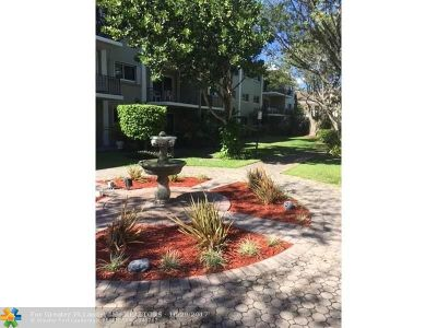Wilton Manors Condo/Townhouse Backup Contract-Call LA: 3002 NE 5th Ter #204B