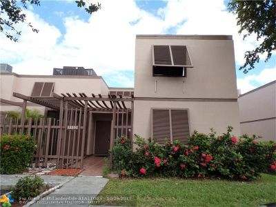 Pembroke Pines Condo/Townhouse For Sale: 12351 NW 11th St #12351