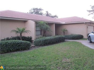 Coral Springs Single Family Home For Sale: 10122 NW 3rd Pl