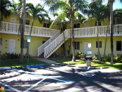 Wilton Manors Condo/Townhouse For Sale: 2655 NE 8th Ave #108