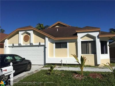 North Lauderdale Single Family Home For Sale: 850 W Palm Run Dr