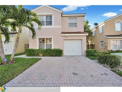 Margate Single Family Home For Sale: 6306 Buena Vista Dr