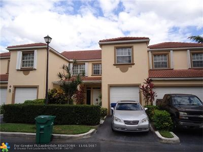 Coral Springs Condo/Townhouse For Sale: 9678 Royal Palm Blvd #9678