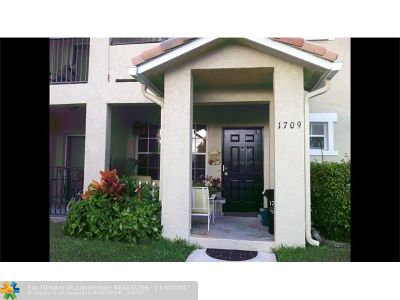 North Lauderdale Condo/Townhouse For Sale: 1709 Belmont Ln #1709