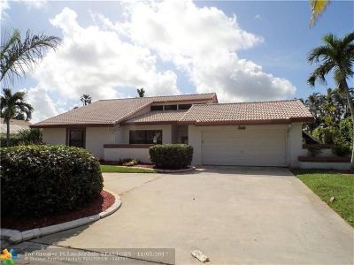 Coral Springs Single Family Home For Sale: 10888 NW 7th St