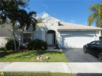 Coconut Creek Single Family Home For Sale: 5225 NW 54th St