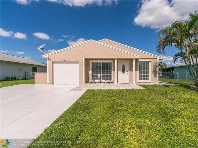 Boca Raton Single Family Home For Sale: 8365 Huntsman Pl