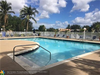 Oakland Park Condo/Townhouse For Sale: 2647 NW 33rd St #2302