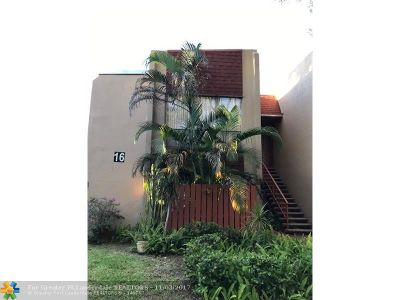Plantation Condo/Townhouse For Sale: 301 N Pine Island Rd #255